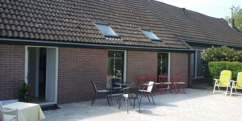 Entree & Parking van Praktijk Tineke van Urk, Oud Avereest 16 in Balkbrug