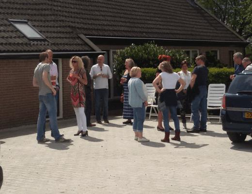 Indrukken van de Feestelijke opening van TIneke en Hans heten je welkom in Praktijk Tineke van Urk, Oud Avereest 16 in Balkbrug: Lekker buiten
